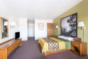 Super 8 by Wyndham Wells, Hotel  Wells - big - 15