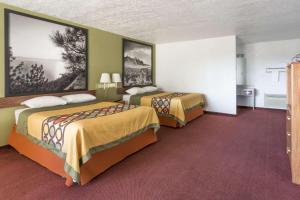 Super 8 by Wyndham Wells, Hotels  Wells - big - 11