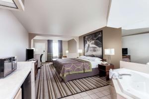 King Suite with Spa Bath - Smoking