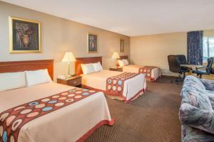 Superior Double Suite with Four Double Beds - Non-Smoking