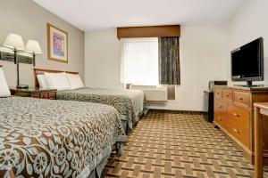 Deluxe Double Room with Two Double Beds - Disability Access/Smoking