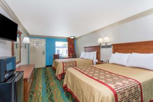 Room with Two Double Beds - Smoking