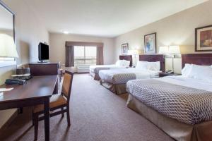 Superior Double Room with Three Double Beds - Non-Smoking