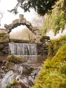 Cascades Gardens, Bed & Breakfasts  Matlock - big - 30
