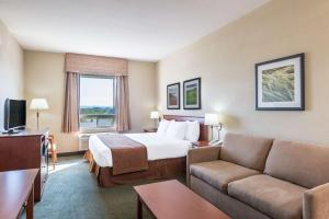 Super 8 by Wyndham Windsor NS, Hotely  Windsor - big - 11