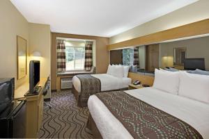Doppelzimmer mit 2 Queensize-Betten