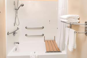 Queen Room - Disability Access/Non-Smoking