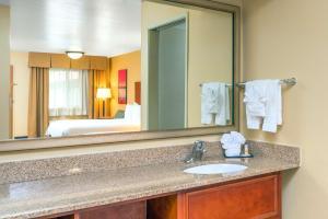 Days Inn & Suites by Wyndham Scottsdale North, Hotels  Scottsdale - big - 20