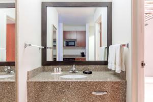 Superior King Room with Spa Bath - Non-Smoking
