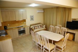 Velena Apartments, Apartments  Kranevo - big - 35