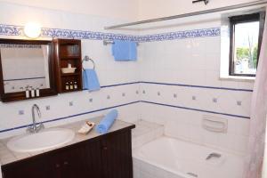 Amarakos Guesthouse, Affittacamere  Kato Akourdalia - big - 6
