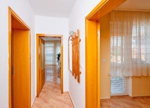 Guest House Nadin, Vendégházak  Pomorie - big - 9