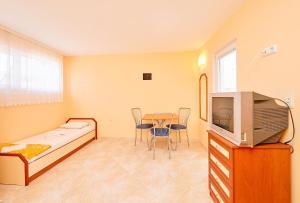 Guest House Nadin, Vendégházak  Pomorie - big - 25