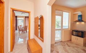 Guest House Nadin, Vendégházak  Pomorie - big - 36