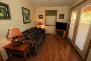 Mountain Cove, Holiday homes  Gatlinburg - big - 17