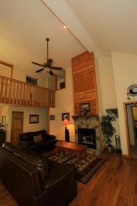 Mountain Cove, Holiday homes  Gatlinburg - big - 36