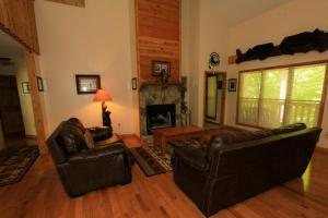 Mountain Cove, Holiday homes  Gatlinburg - big - 52