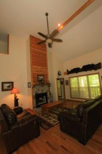 Mountain Cove, Holiday homes  Gatlinburg - big - 51