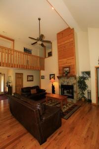 Mountain Cove, Holiday homes  Gatlinburg - big - 48