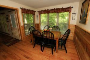 Mountain Cove, Holiday homes  Gatlinburg - big - 49
