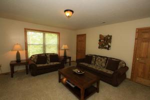 Mountain Cove, Holiday homes  Gatlinburg - big - 33
