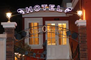 Hotel Boutique Restaurant Gloria, Szállodák  Tirana - big - 50
