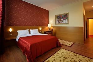 Hotel Austria, Hotels  Tirana - big - 8
