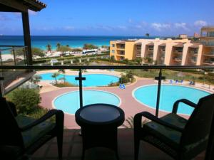 Tropical Penthouse One-bedroom condo - BG532, Apartmány  Palm-Eagle Beach - big - 15