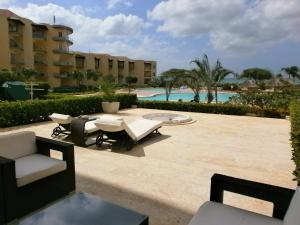 View Garden Two-bedroom condo - A145, Ferienwohnungen  Palm-Eagle Beach - big - 4