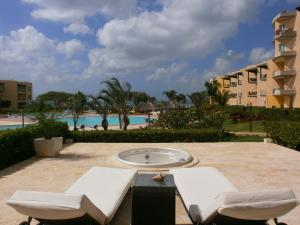 View Garden Two-bedroom condo - A145, Ferienwohnungen  Palm-Eagle Beach - big - 5