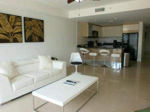 View Garden Two-bedroom condo - A145, Ferienwohnungen  Palm-Eagle Beach - big - 9