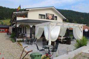 La Roca, Guest houses  Grinţieşu Mic - big - 53