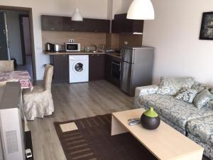 Konstantin Holiday Sea Apartments, Apartmány  St. St. Constantine and Helena - big - 18