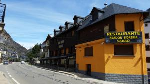 Hotel Sarao, Hotels  Escarrilla - big - 51