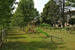 Agriturismo Fiamberta, Bed & Breakfasts  Certosa di Pavia - big - 17