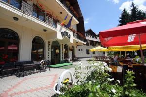 Hotel Ruia, Hotely  Poiana Brasov - big - 38