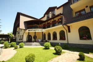 Hotel Ruia, Hotely  Poiana Brasov - big - 30