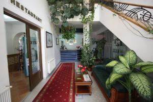 Hotel Ruia, Hotely  Poiana Brasov - big - 37
