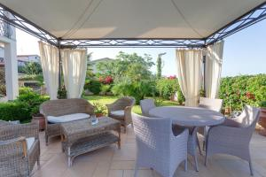 La Suite del Faro, Bed and breakfasts  Scalea - big - 57