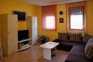 Vár-Torony Apartman, Апартаменты  Дьюла - big - 2