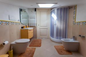 La Suite del Faro, Bed and breakfasts  Scalea - big - 21
