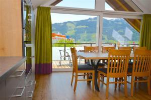 Apartment S&P 3 by Alpen Apartments, Ferienwohnungen  Zell am See - big - 10