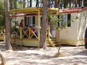 Mobile Homes Camping Biograd, Villaggi turistici  Biograd na Moru - big - 8