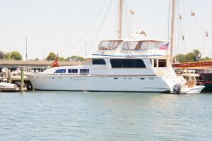 Ocean Romance Dockside Bed & Breakfast Yacht, Bed and breakfasts  Newport - big - 36
