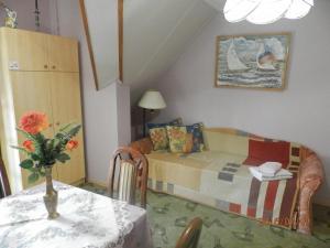 Ilona Kis Kastély Panzió, Guest houses  Keszthely - big - 22
