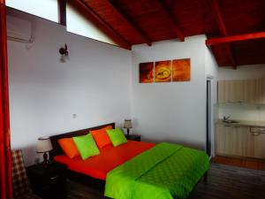 Karali Apartments, Apartmanok  Lagadin - big - 5