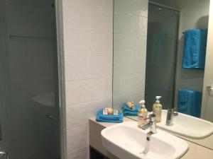 Absolute Waterfront 2 Bedroom Apartment, Apartmány  Airlie Beach - big - 11