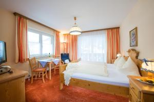 Pension St.Leonhard, Bed & Breakfast  Bad Gastein - big - 11
