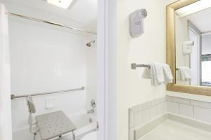 Deluxe Double Room - Disability Access/Non-Smoking