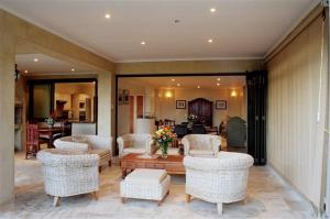 Supertubes Guesthouse, Penziony  Jeffreys Bay - big - 100